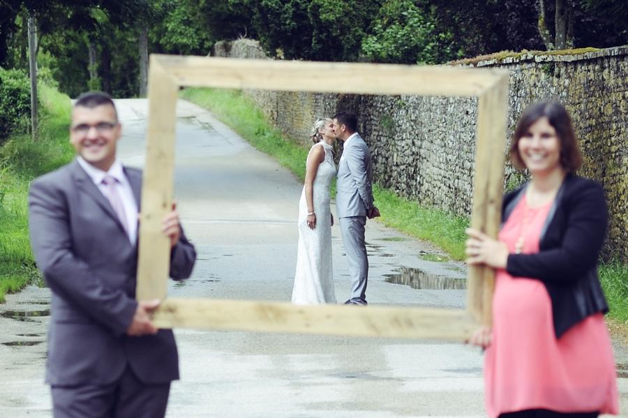 Photos originales de mariage en campagne en Franche Comté