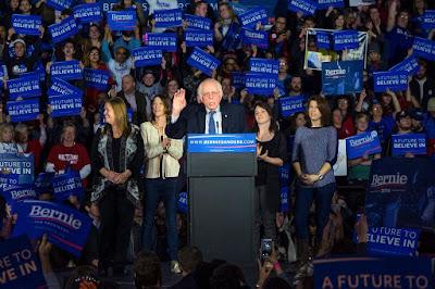 Bernie Sanders, Demokrata Párt, amerikai előválasztás, Románia, Times New Roman, internetsebesség,