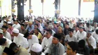 Jamaah Sholat ID Masjid Raya Kampung Baru Melimpah Ruah