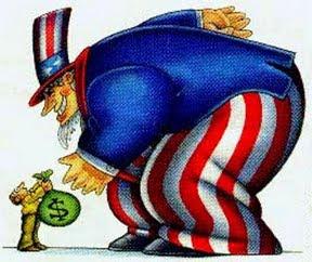 """A mídia hegemônica é muito cínica. Durante o governo Dilma, principalmente no segundo mandato, ela não deu paz à presidenta eleita pela maioria dos brasileiros. Ela sempre minimizou os impactos no Brasil da gravíssima crise da economia mundial, que eclodiu em 2008 e teve como epicentro o coração do sistema capitalista, os EUA. Ficou famoso um artigo da urubóloga Miriam Leitão, no jornal O Globo, tratando a retração internacional como uma desculpa esfarrapada do """"incompetente"""" governo petista. No mesmo diapasão, ela sempre relativizou os efeitos destrutivos na economia da onda de escândalos deflagrada por setores do Judiciário em um """"pacto diabólico"""" com a própria mídia."""