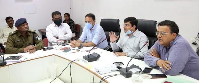 दमोह जिले में महामहिम राष्ट्रपति जी का आगमन 07 मार्च को.. जलहरी ग्राम में बनाए जाएंगे पांच हेलीपेड.. 04 मार्च को होगी पहली रिर्हलसल.. कलेक्टर एसपी ने अधिकारियों की बैठक में दिेये अहम दिशा निर्देश..
