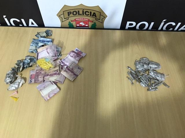 Polícia Civil prende em flagrante mulher vendendo drogas em Registro-SP