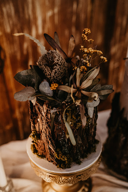 doe and deer photography castle and crown videography gold coast weddings cake venue bridal gown florals stationery