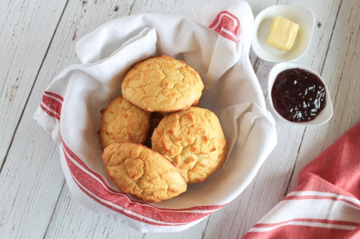 Southern Style Fluffy Paleo Biscuits  #diet #healthyrecipes #keto #paleo #salad