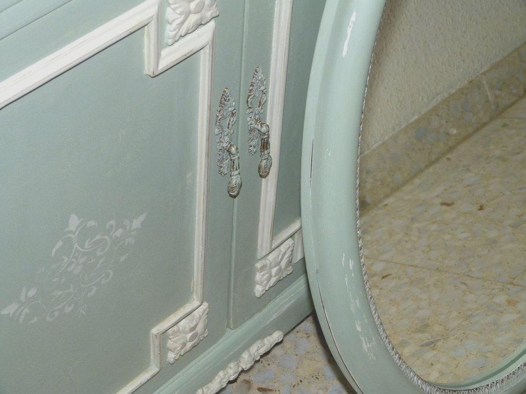 Renovar un espejo antiguo con efecto decapado isabel vintage - Renovar muebles antiguos ...