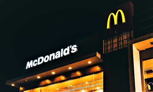 अमेरिका के McDonald's  में मास्क लगाना हुआ अनिवार्य