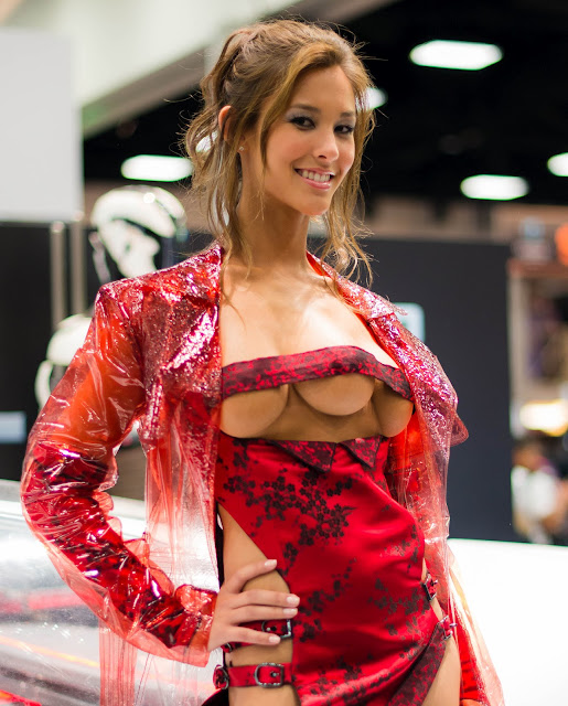 Kaitlyn Leeb Looking Sexy As The Three-Breasted Hooker From Total Recall