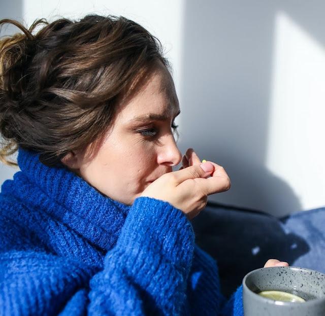 Como lidar com náuseas causadas pelo controle de natalidade »WikiUtil Querida Kitty Kittie Kath 2