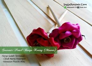 Souvenir Pensil Bunga Kering (Mawar)