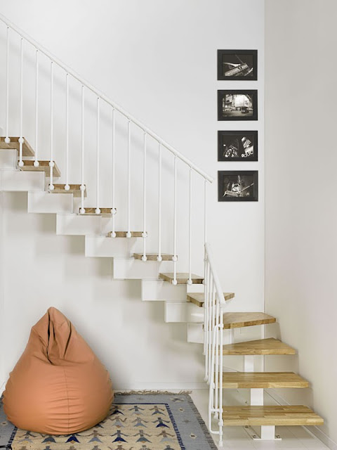 How to deal with house renovation mishaps - or the time we lost one of our staircases steps