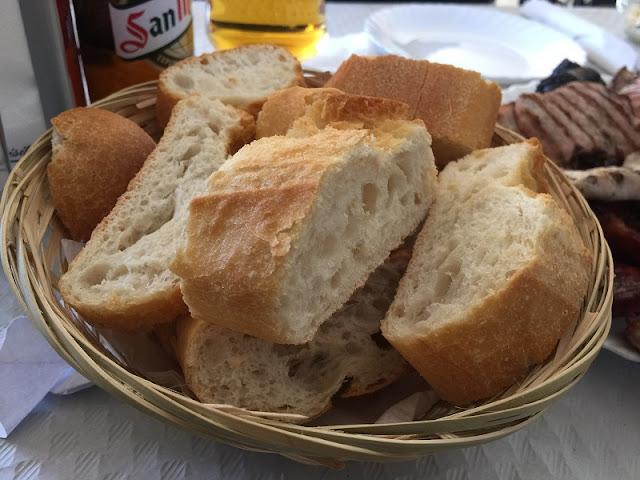 Plato de pan del Asador Isabel