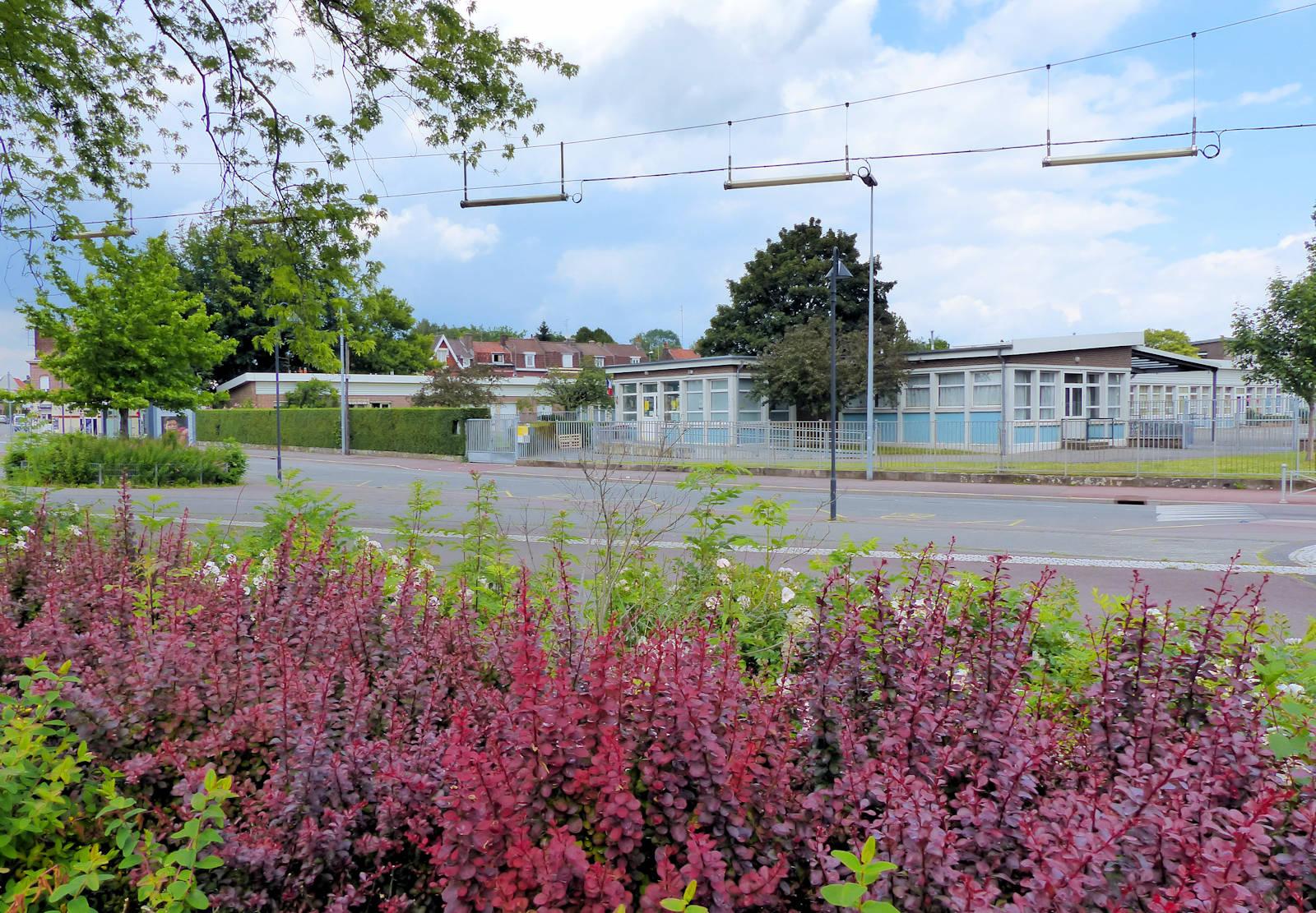 École maternelle publique Paul Claudel, Tourcoing - Rue du Pont de Neuville