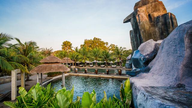 Suối nước nóng thiên nhiên Bình Châu
