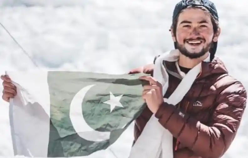 Shehroze Kashif Completed Mount Everest Record-Breaking Summit