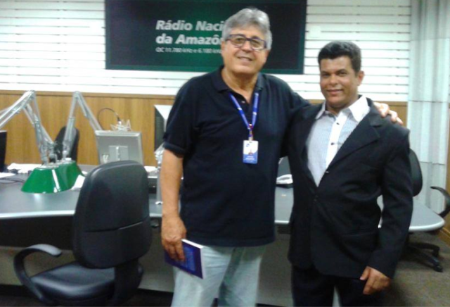 professor Valdivino Sousa e o apresentador Airton Medeiros,