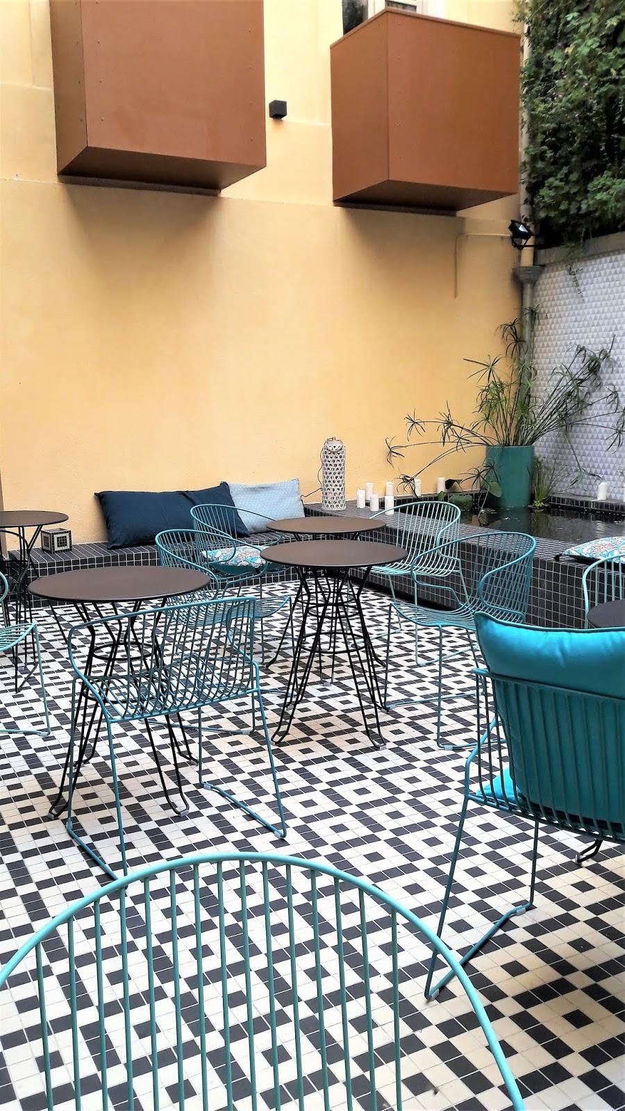 2394bd6a2ba46 hotel-best-western-la-joliette-marseille-patio-interieur.jpg