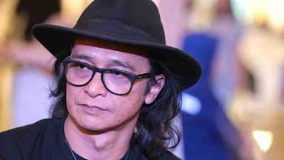 5 Vokalis Band Indonesia Yang Awet Muda