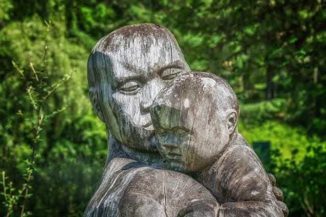 أجمل تماثيل الخشب