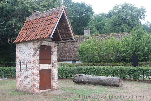 traditional dutch pigeon houses bokrijk
