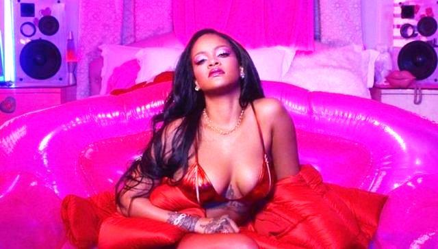 Rihanna conquistó a sus fanáticos al posar con sensual lencería