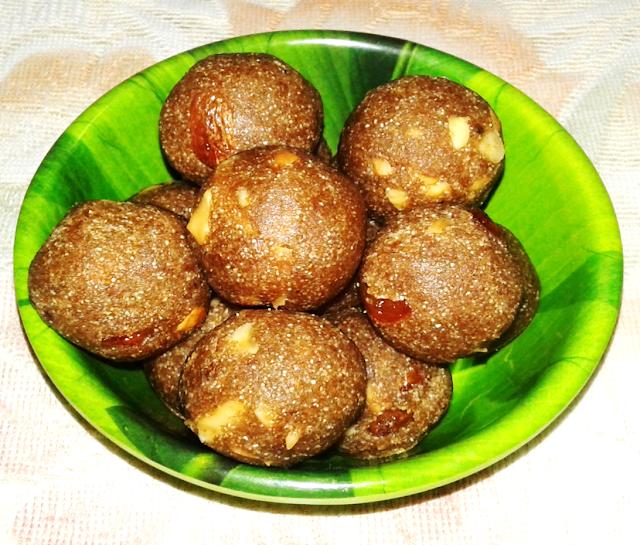 sapota Laddu special desi recipes
