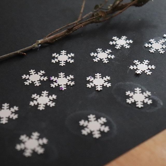 arbre hiver avec paillettes