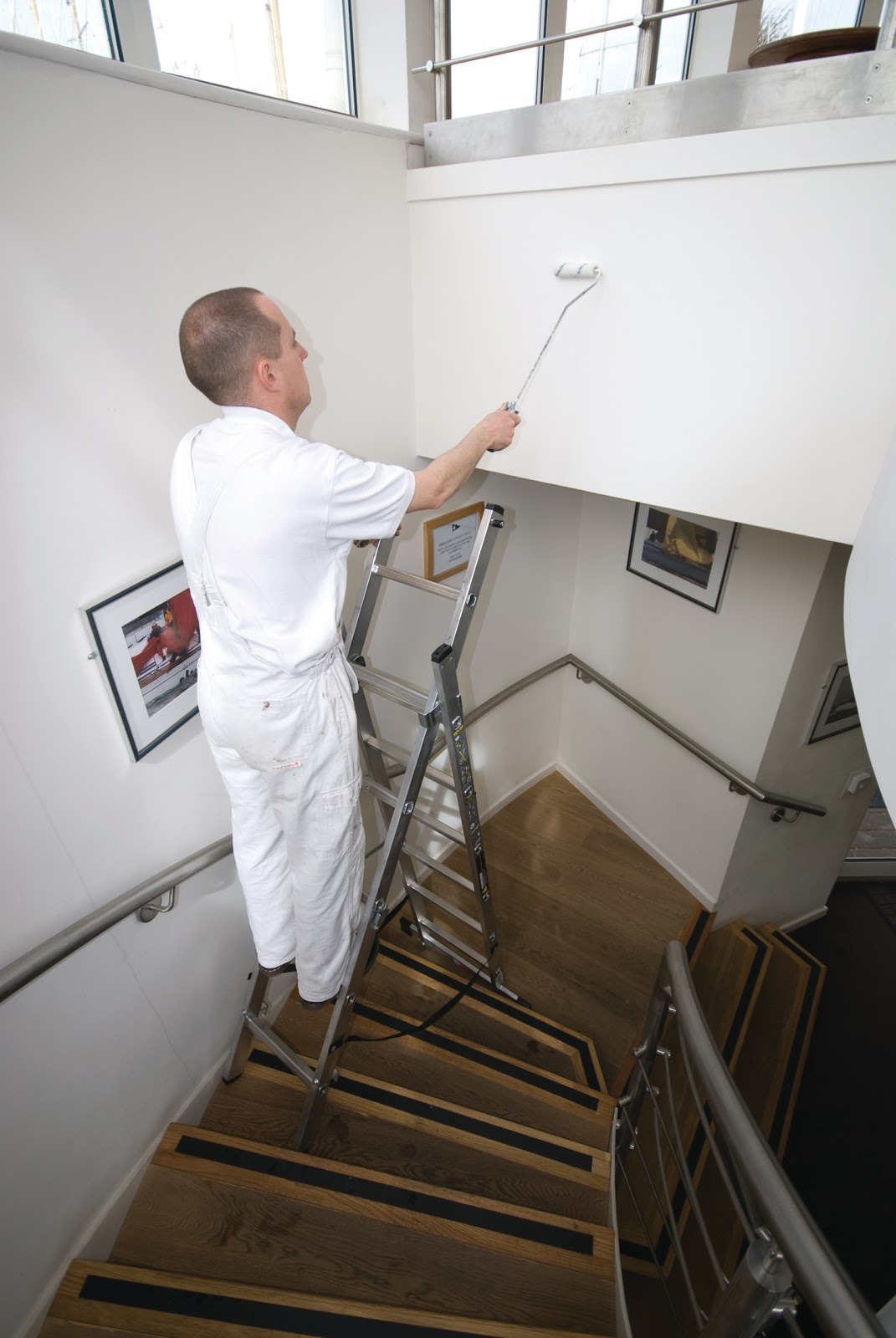 Getting To Those Hard To Reach Places Ladders On Stairs Sterk