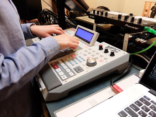 バイブスレコード|サンプラースクール・ビートメイク教室風景