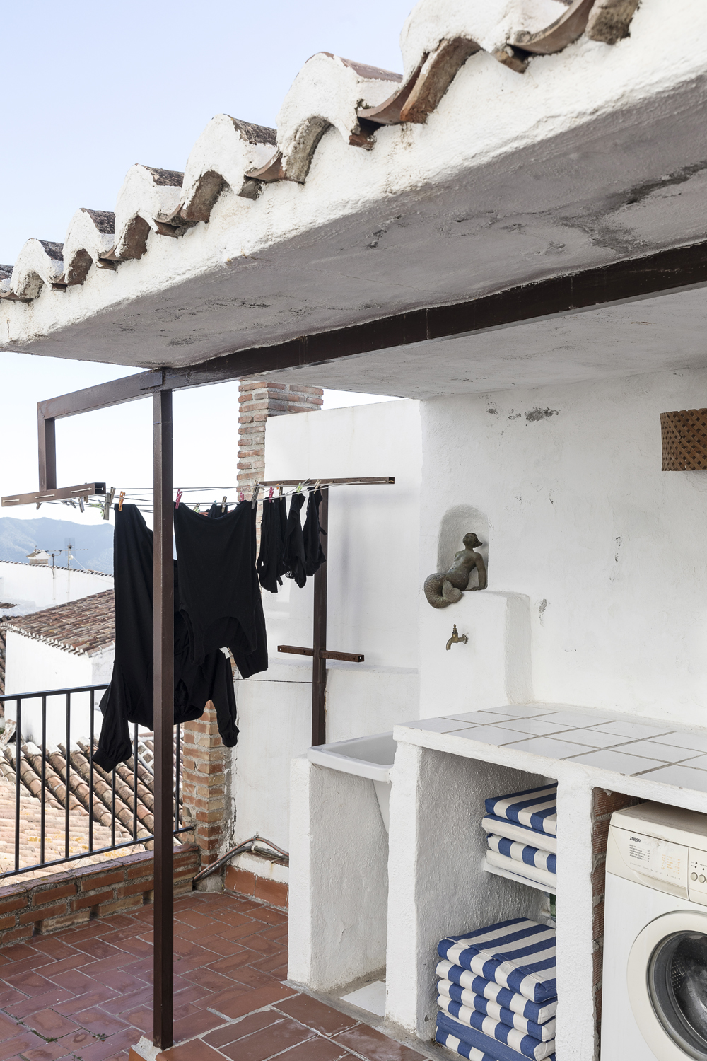 Canillas de Aceituno, Spain, holiday, rent, apartment, townhouse, rental, vacationhome, home, interior, spanish, style, interiorphotography, interior design, photographer, Frida Steiner, Visualaddict, visualaddictfrida, laundry, rooftop, terrace