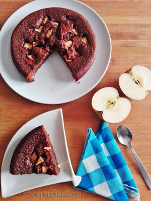 Pastel de chocolate y manzana