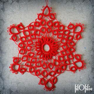 Flocon de neige, décoration de Noël réalisée en frivolité, dentelle aux navettes