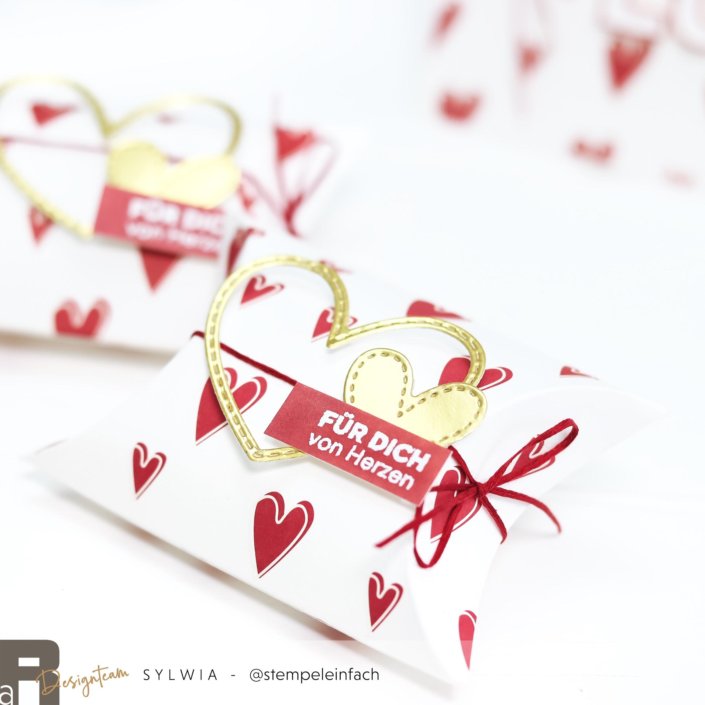 mini pillow box-alexandra renke