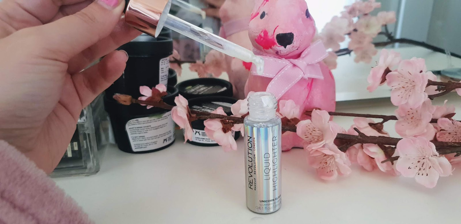 makeup revolution liquid highlighter review and swatches