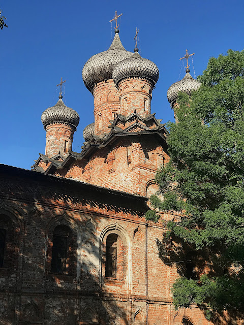 Великий Новгород, церковь Троицы Живоначальной (Veliky Novgorod, Church of the Trinity)
