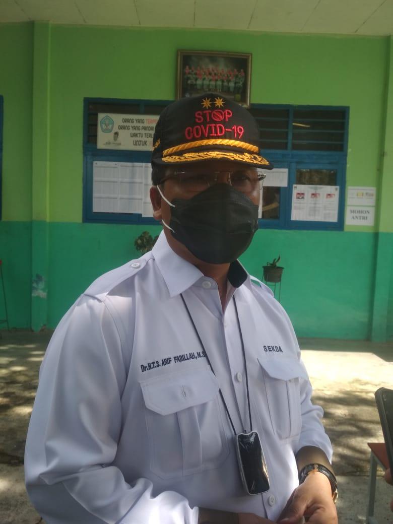 Sekdaprov Kepri Mencoplos di TPS 20 Sei Jang Tanjungpinang