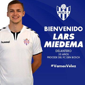 Oficial: Vélez CF, firma Miedema