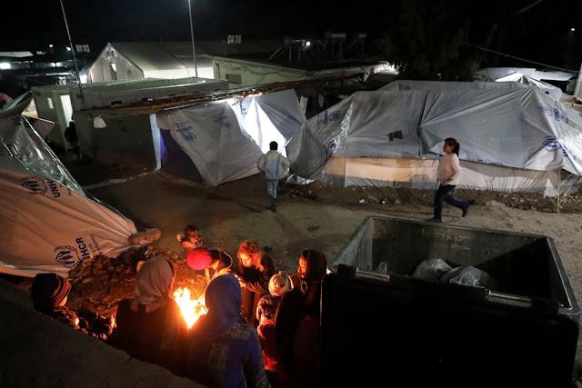 Αιτούντες άσυλο εγκλωβισμένοι σε σκηνές στα νησιά, ενώ ο χειμώνας πλησιάζει