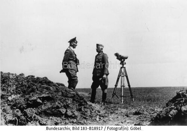 Manstein and Richthofen in Crimea, May 1942 worldwartwo.filminspector.com