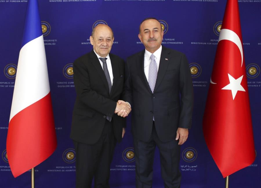 Τι σημαίνει η ανταλλαγή φιλοφρονήσεων μεταξύ Γαλλίας και Τουρκίας