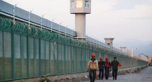 Trung Quốc độc ác giam giữ người Uighur và bị chỉ chích tại LHQ