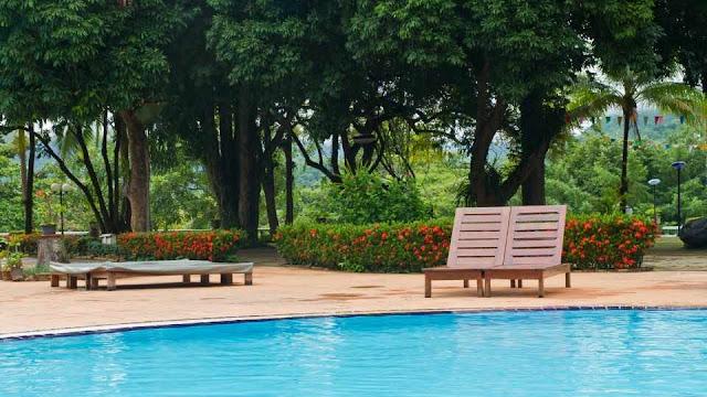 kolam decking bengkirai