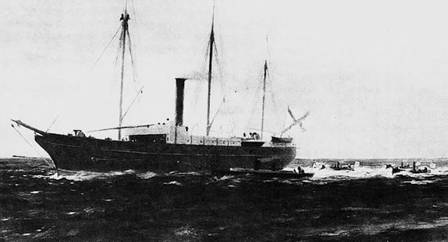 ataque naval com torpedos