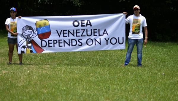 """""""OEA, no nos des la espalda"""", el reclamo de opositores venezolanos en México"""