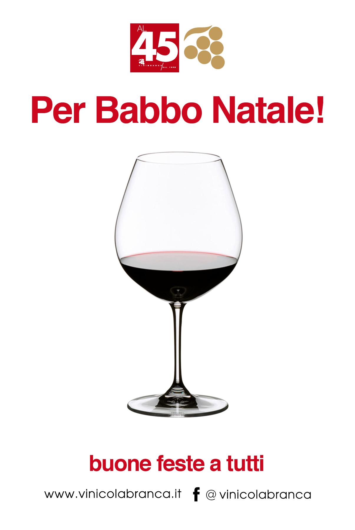 un bicchiere di vino rosso per Babbo Natale