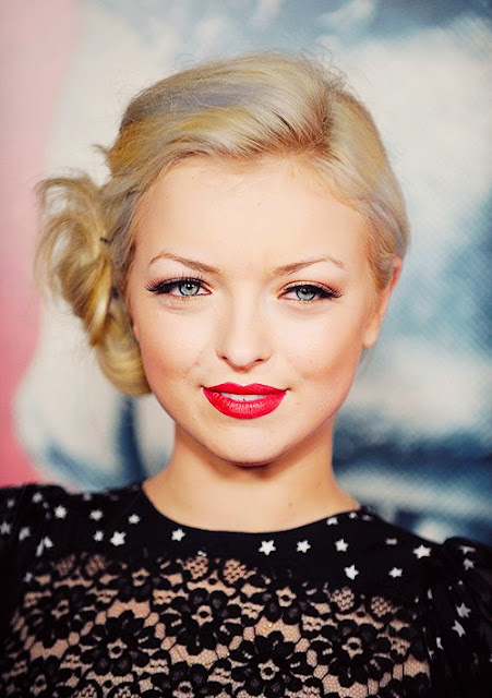 Francesca Eastwood age, height, mother, married, parents, boyfriend, movies, hot, bikini, and jordan feldstein, instagram, wiki, biography