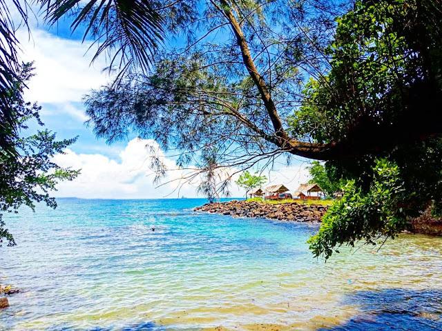 anyer beach is tourist destination in banten