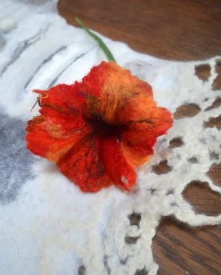 stage découverte effets de matières et fleurs  laine feutrée -Factory Cathy