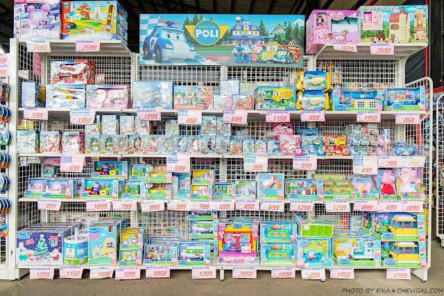 MG 6338 - 熱血採訪|台中300坪超大玩具批發,小孩逛到不肯走!熟客更是衛生紙一箱一箱扛著走~