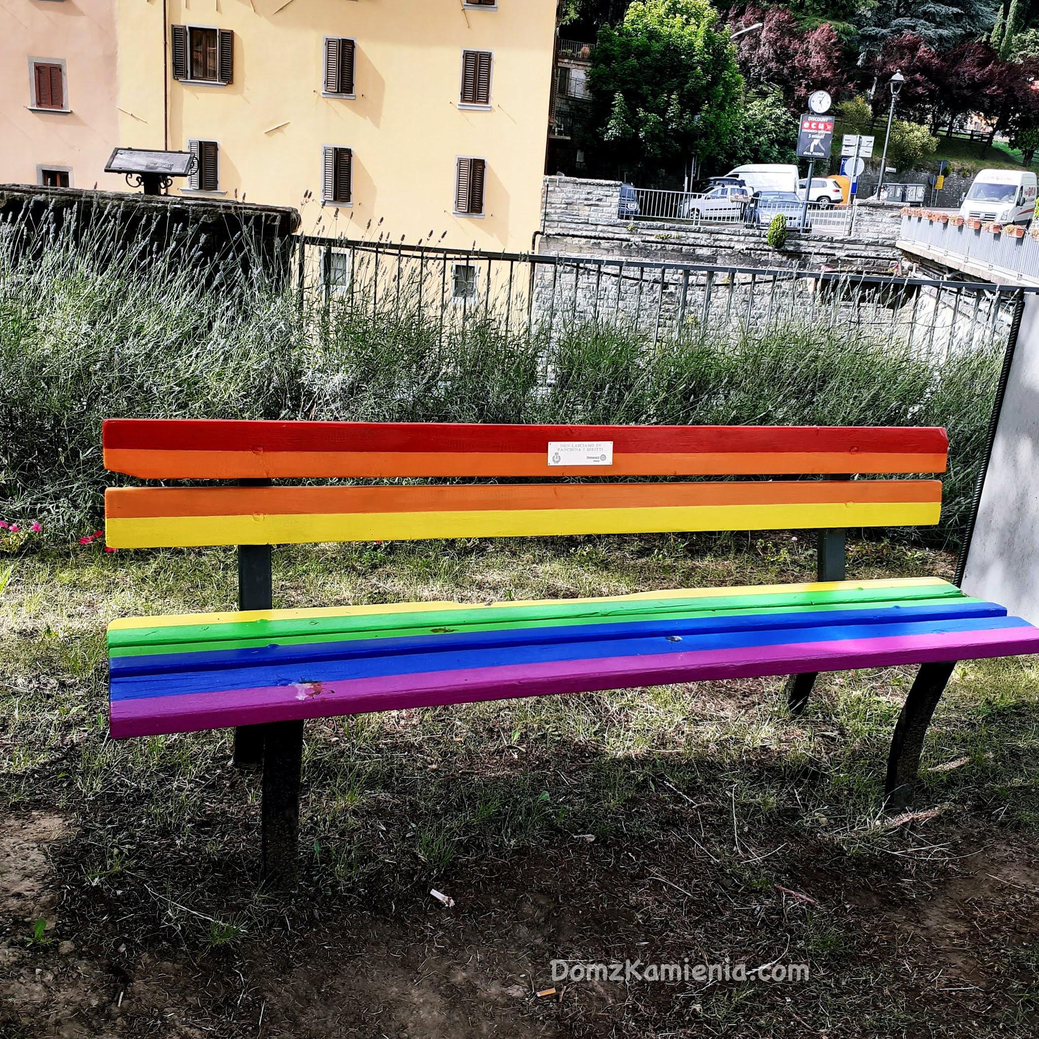 Ławeczka LGBT, Marradi