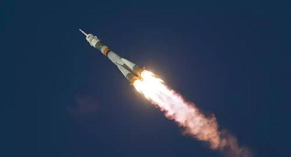 Ρωσικός πύραυλος Soyuz στέλνει ευρωπαϊκούς στρατιωτικούς δορυφόρους στο διάστημα - Βίντεο